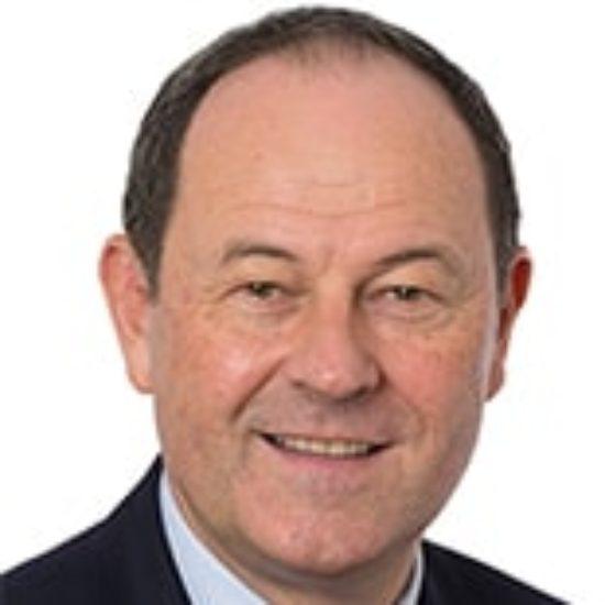 Illustration du profil de Hugues Saury
